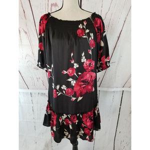 White House Black Market Sz S Black Red Floral